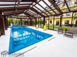 Stożkowa zabudowa basenu