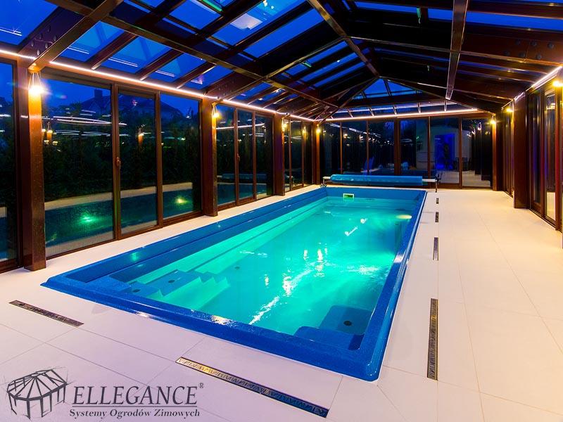Zabudowa basenu w hotelu